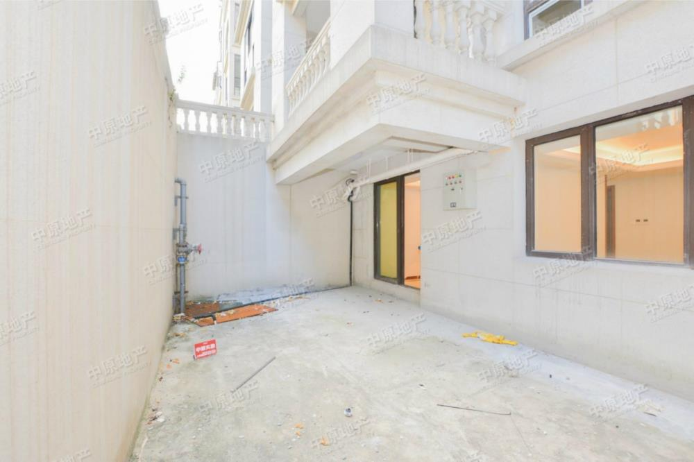 九龙湖别墅 精装四房 配套成熟 拎包入住 户型方正